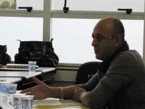 """""""Nem sempre a prioridade da população é prioridade para o governo"""" - Elias Souza"""
