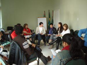 Assistentes sociais discutem antigos códigos de ética da profissão